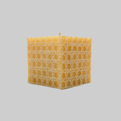 habeebat-Aashir-scented-candle