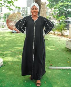 Habeebat Shadeeyat Black Abaya